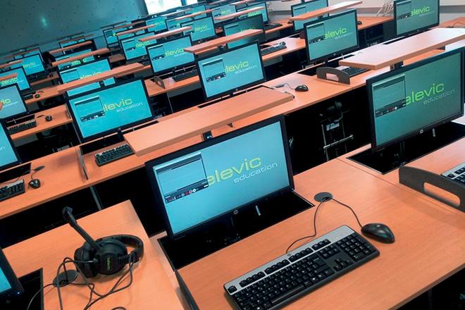 televic en cebeo maken 242 ghanese scholen smart