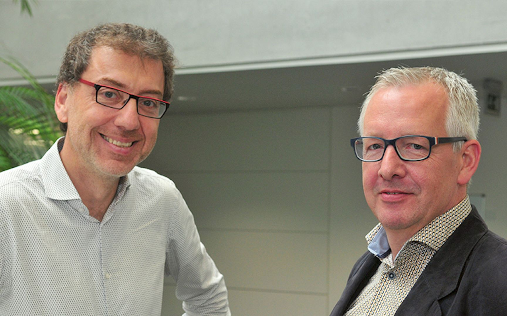 Stephan Atsou, Sales & Marketing Manager Powerdale en Eddy Vermeulen, Product Manager Nexxtender Cluster
